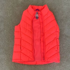 OLD NAVY puffed vest Sz M (8)